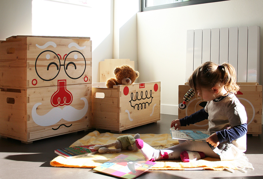Pilou Face, wooden toy storage boxes for kids by E-Glue studio